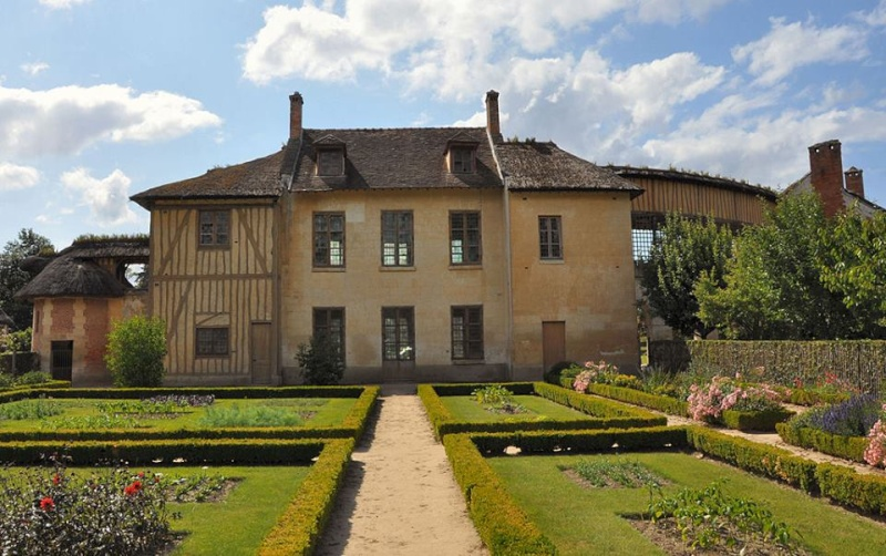 maison - Hameau du Petit Trianon : Restauration de la maison de la Reine  - Page 2 10952710