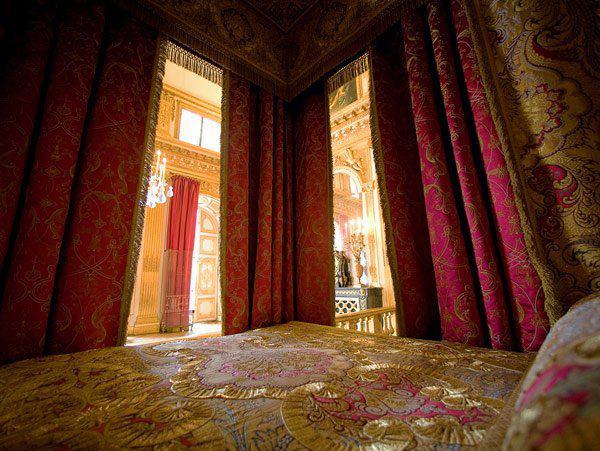 chambre - La chambre officielle du Roi  Chambr10