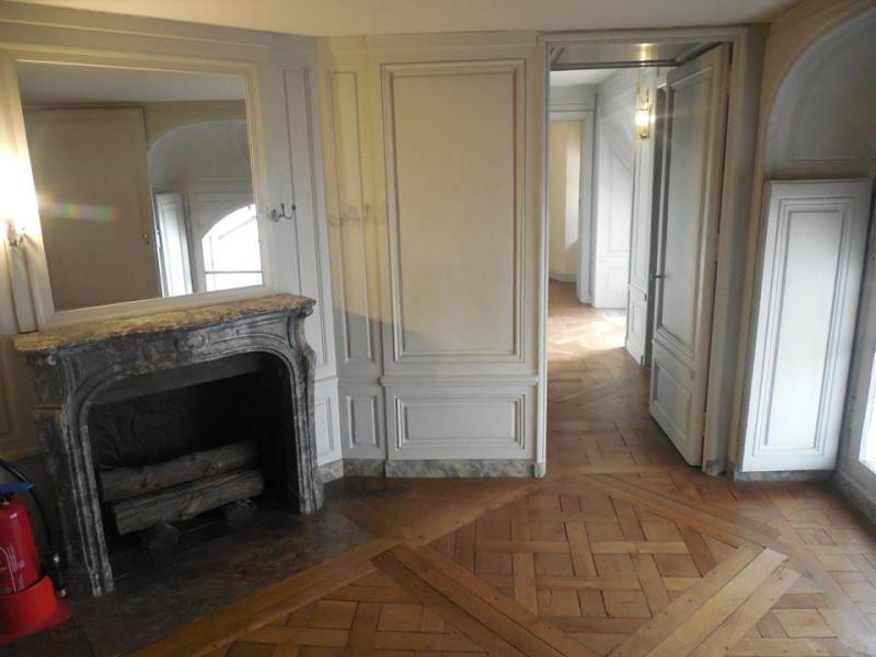 passage - Le passage du Roi à Versailles - Page 3 Chambr13