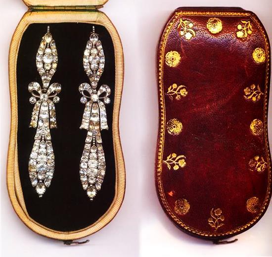 Exposition : Marie-Antoinette à Versailles (1955) - Les bijoux  - Page 2 Diaman10
