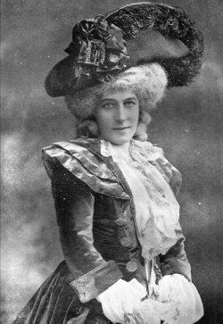 Sarah Bernhardt en Marie-Antoinette Marie_11