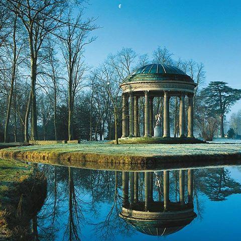 Le Temple de l'Amour, au Petit Trianon Temple10