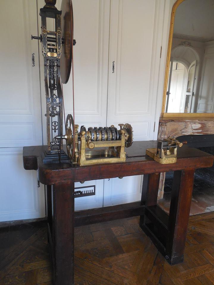 Les petits cabinets scientifiques et ateliers de Louis XVI à Versailles Tour_d10