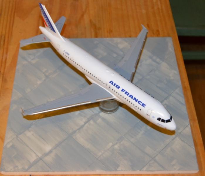 AIRBUS A 320-211 Cie AIR FANCE 1/125ème Réf 80448 - Page 2 Dsc_0060