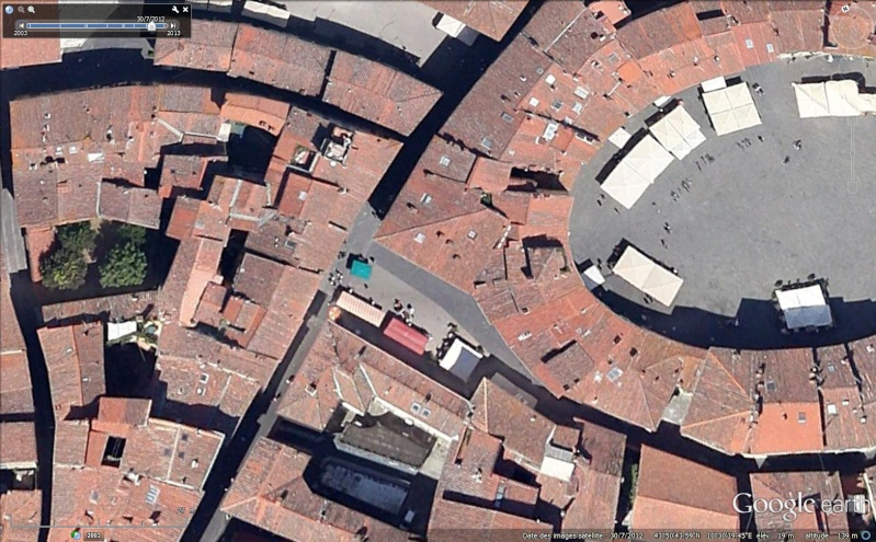 Place de l'Amphithéâtre, (Piazza dell'Anfiteatro), Lucques, Toscane - Italie Sans_194