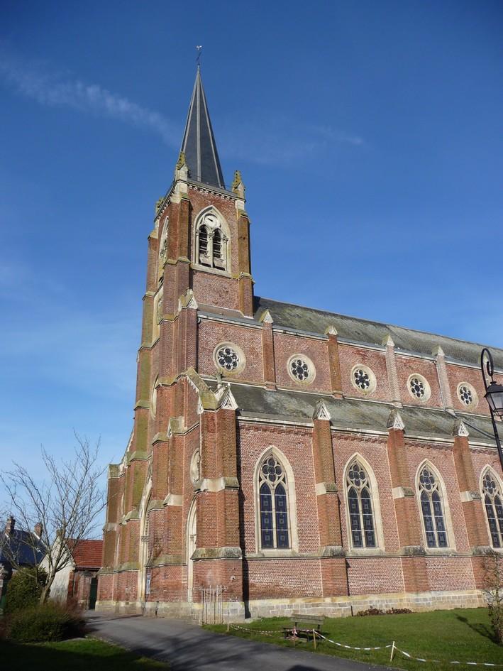 L'EGLISE de Le Quesnel : église Saint léger. Eglise21