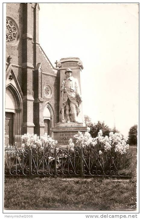 le MONUMENT AUX MORTS Monume11