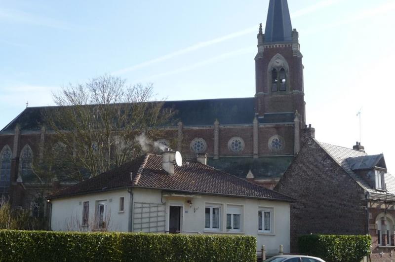 L'EGLISE de Le Quesnel : église Saint léger. Yglise13