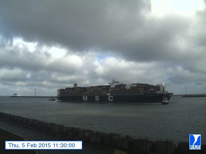 Photos en direct du port de Zeebrugge (webcam) - Page 63 Zeebru13