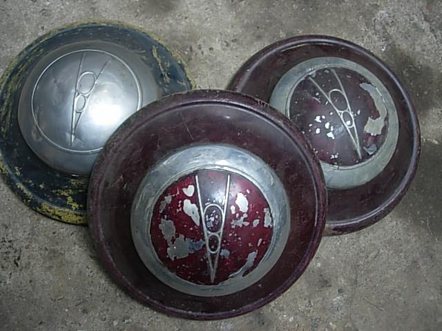 Réservoir, pneus, radia Ford etc . . . .    Dscn8521