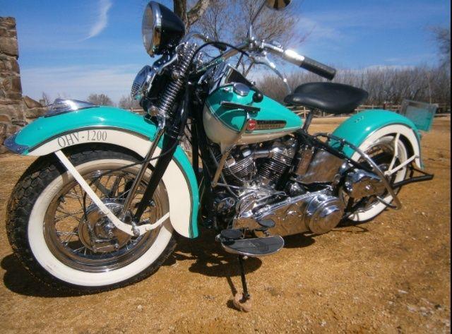 La premiere Harley que j ai vue Img_2210