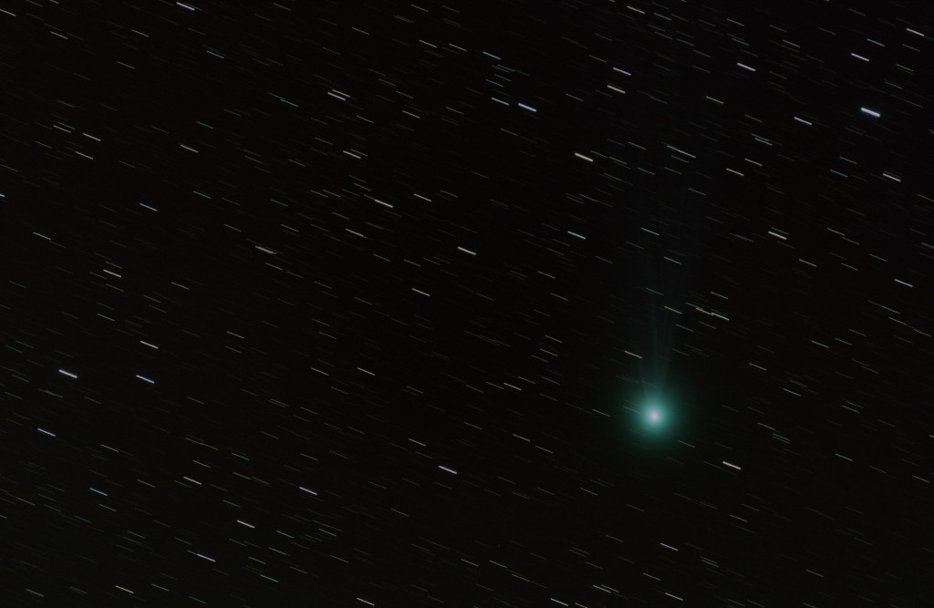 Comètes - Page 11 Lovjoy10