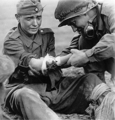 Soins à la guerre (médic, civils, morts ..) 40459710