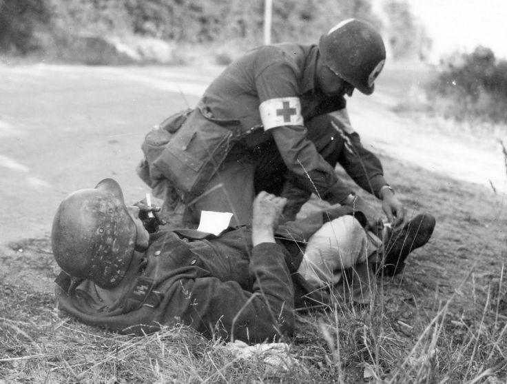 Soins à la guerre (médic, civils, morts ..) 7bc64910