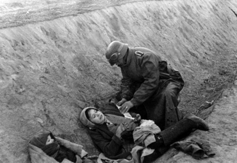 Soins à la guerre (médic, civils, morts ..) Un_sol10