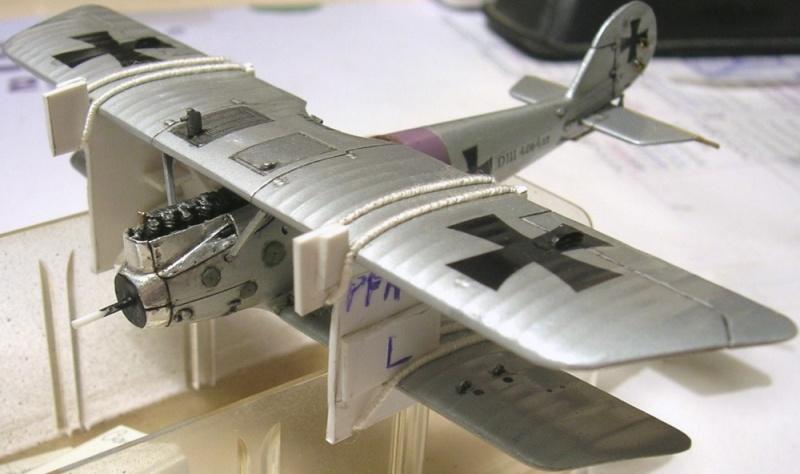 Montage: deux Pfalz D-III / D-IIIa et demi,  1/72 - Page 4 Montag20