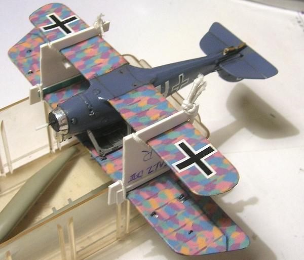 Deux Pfalz D-III / D-IIIa et demi,  1/72 - Page 5 Montag22