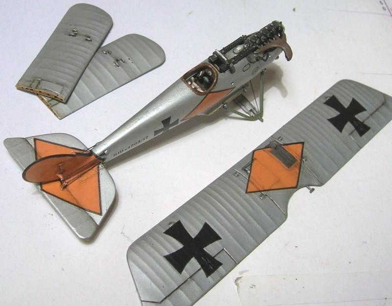 Deux Pfalz D-III / D-IIIa et demi,  1/72 - Page 5 Montag27