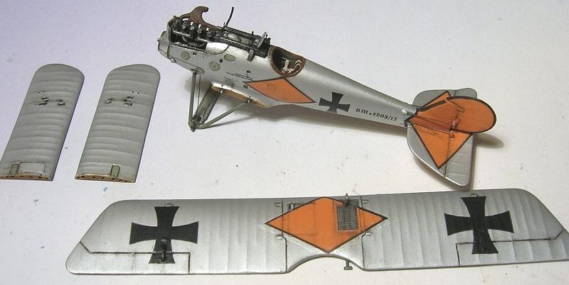 Deux Pfalz D-III / D-IIIa et demi,  1/72 - Page 5 Montag28