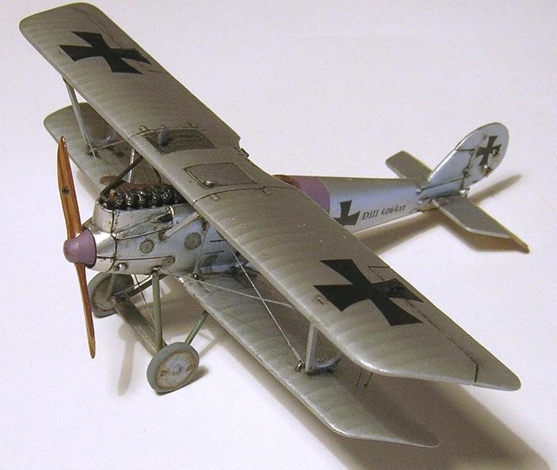 Deux Pfalz D-III / D-IIIa et demi,  1/72 - Page 5 Montag41