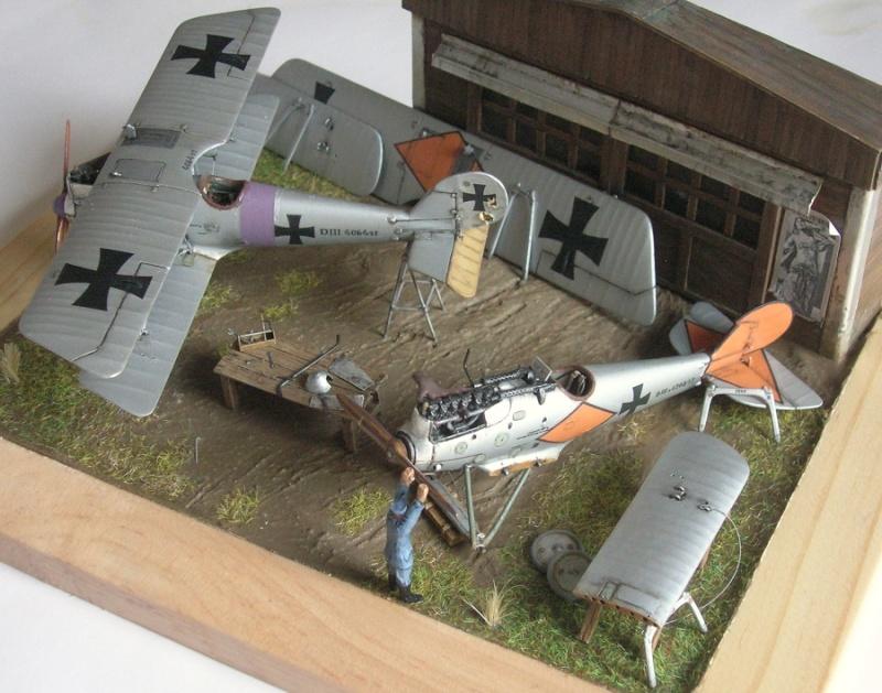 Pfalz D-III et D-IIIa en réparations, MAC Distribution 1/72 Pfalz_15