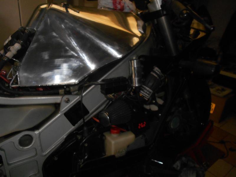 quelle est cette moto ?  Ma_f111