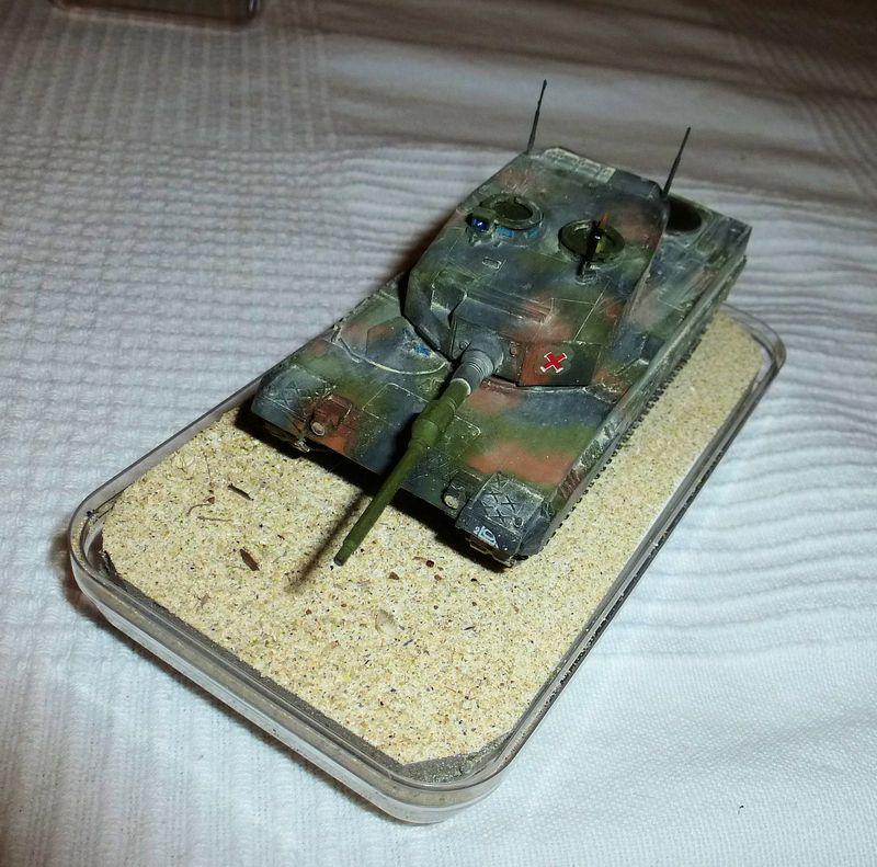 Chars de combat Revell 1/72 Leopar10