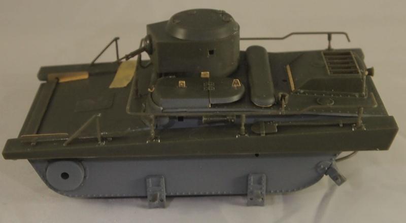 T-37 radio (Hobby Boss ref 83820 1/35) Mon0115