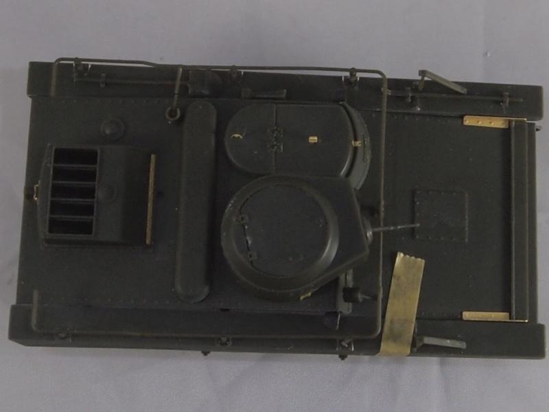 T-37 radio (Hobby Boss ref 83820 1/35) Mon0413