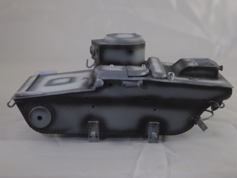 T-37 radio (Hobby Boss ref 83820 1/35) Mon0510