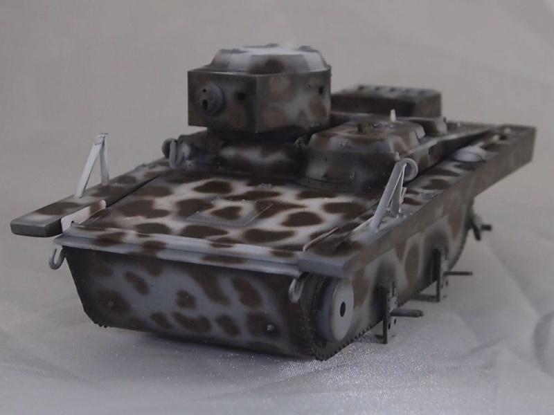 T-37 radio (Hobby Boss ref 83820 1/35) Mon1110