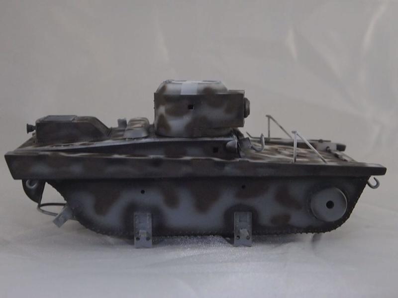 T-37 radio (Hobby Boss ref 83820 1/35) Mon1210