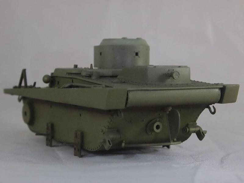 T-37 radio (Hobby Boss ref 83820 1/35) Mon1710