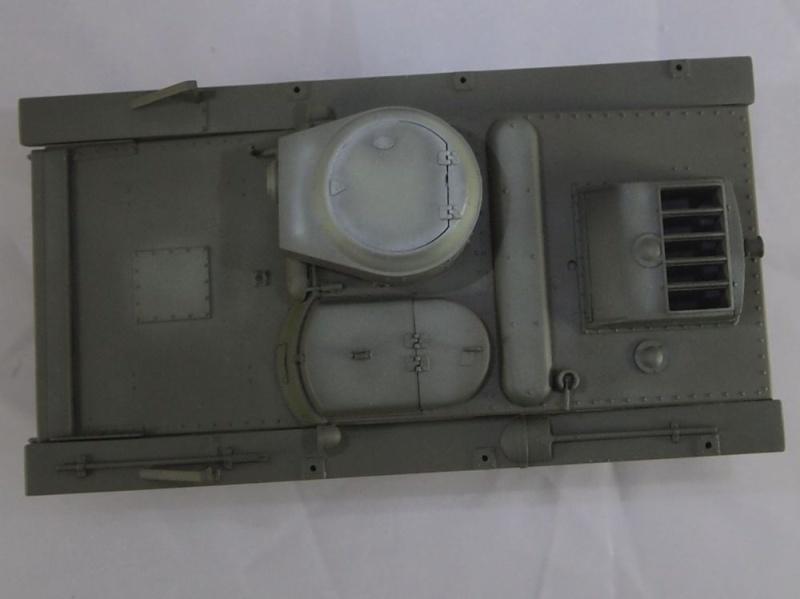 T-37 radio (Hobby Boss ref 83820 1/35) Mon1810