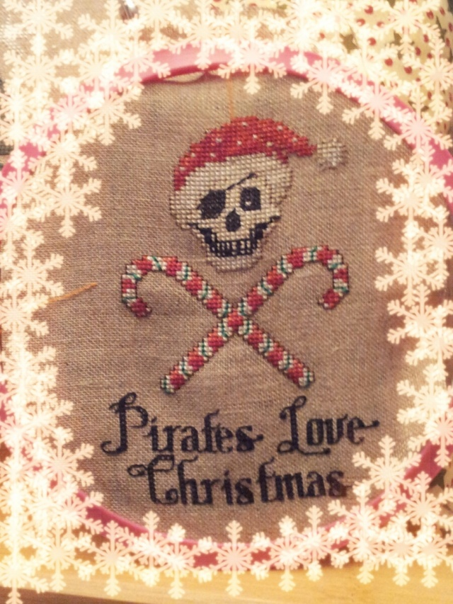 Broderie porte bonheur - Page 3 Pirate11
