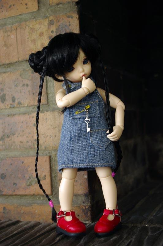 Dix doigts, du tissu et une poupée (Corset MNF p2 Up ) 410
