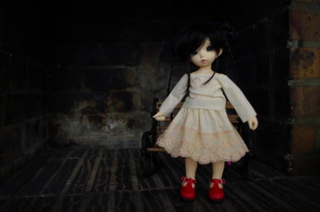 Dix doigts, du tissu et une poupée (Corset MNF p2 Up ) _igp4011