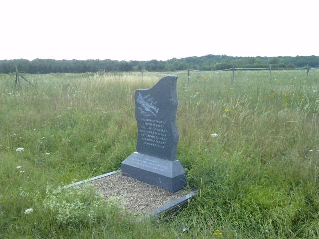 stèle bombardier lancaster P1007110