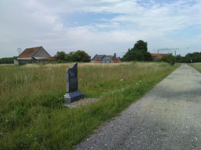 stèle bombardier lancaster P1007114