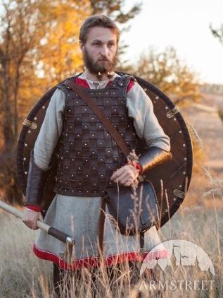 Armure viking cloutée Armure10
