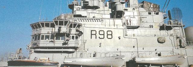 [Cimetières des bateaux] Cimetière d'embarcations à Arles Ac_00110