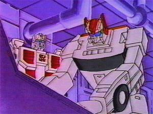 [TFC Toys] Produit Tiers - Jouets Prometheus (aka Protectobots - Defensor/Defenso) Street10