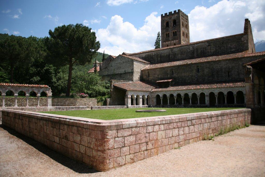 Déménagement de châteaux ou églises d'un continent à l'autre : mythe ou réalité ? 25520310