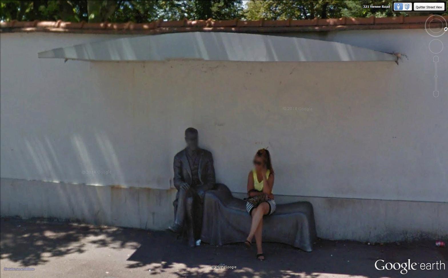 STREET VIEW : un arret de bus à vous retourner l'esprit Freud10