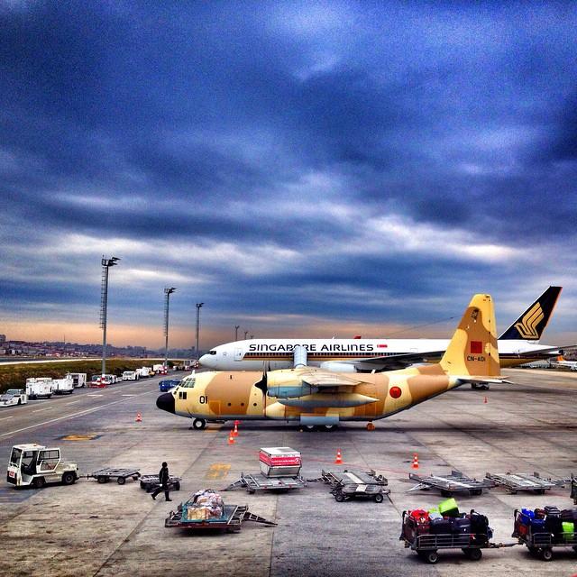 FRA: Photos d'avions de transport - Page 21 10895110