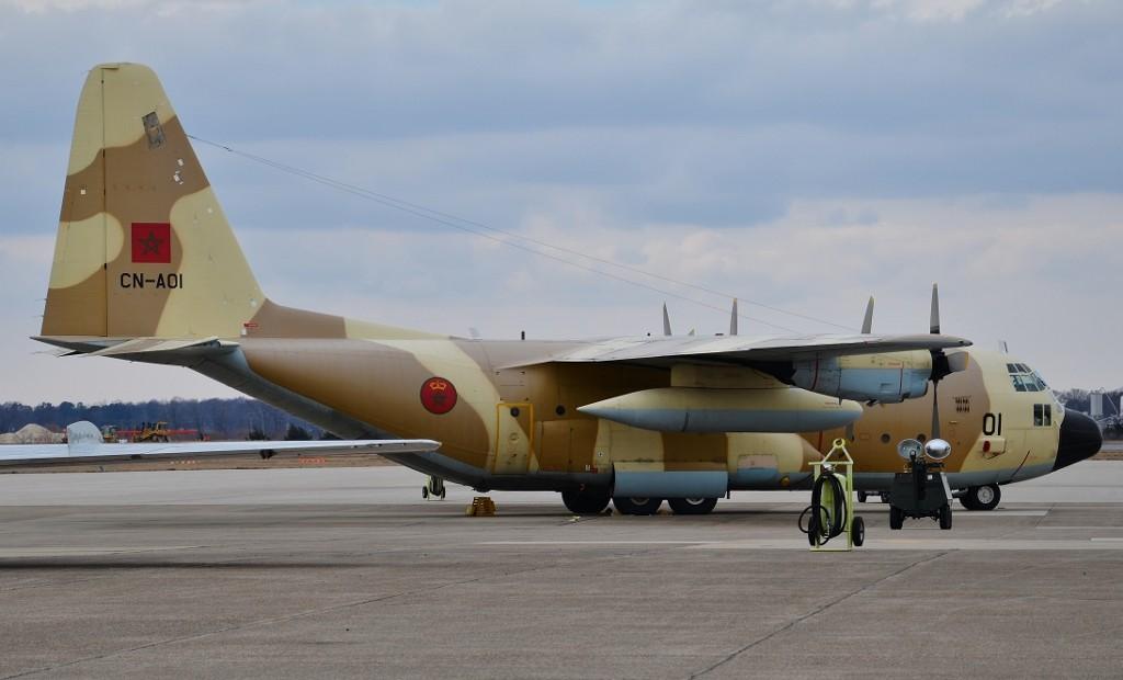 FRA: Photos d'avions de transport - Page 21 C-130h10