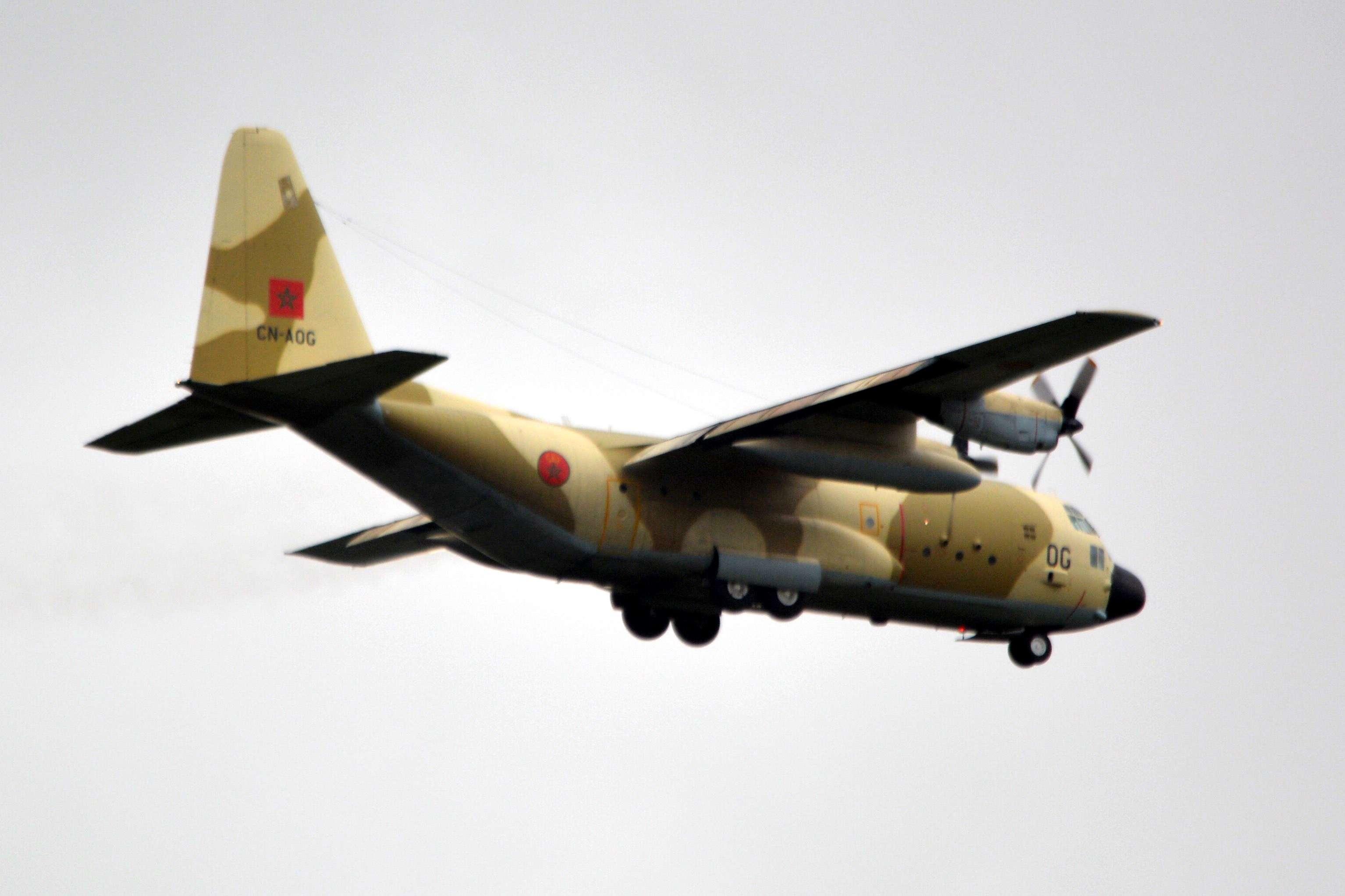 FRA: Photos d'avions de transport - Page 21 Clipbo83