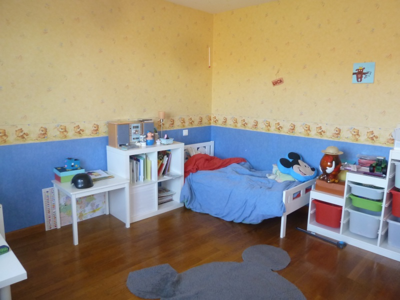 Chambre de mon fils - 4 ans - mer, baleine, dauphins... P1080227