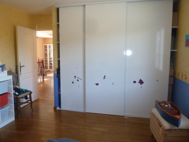 Chambre de mon fils - 4 ans - mer, baleine, dauphins... P1080228