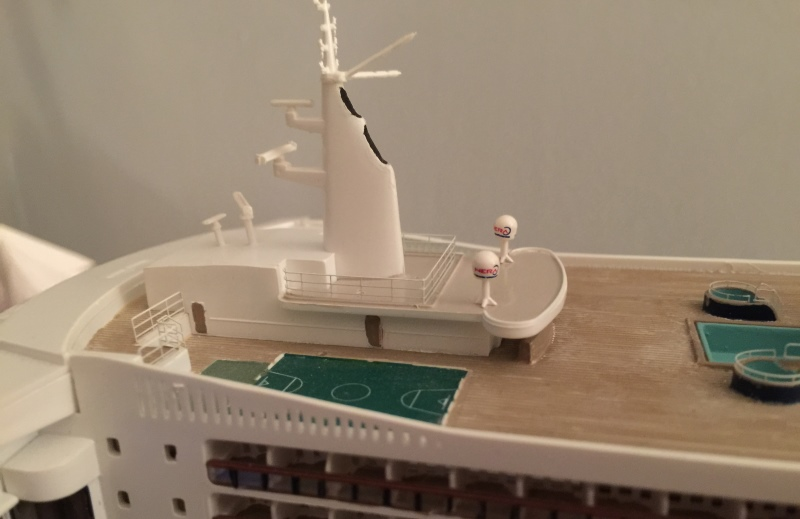construction du queen mary 2 au 1/400 de chez revell - Page 12 Img_1223